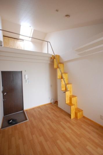 ロフト美術館風 階段