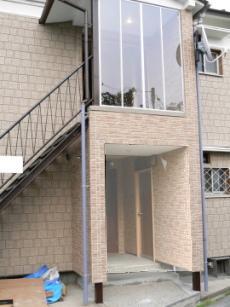 賃貸アパート 外観階段