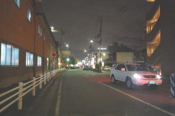 夜のアパート駅までの道 駐輪場付近